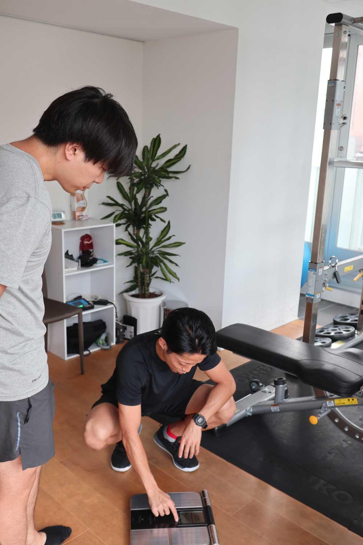 体重と体脂肪を測定する