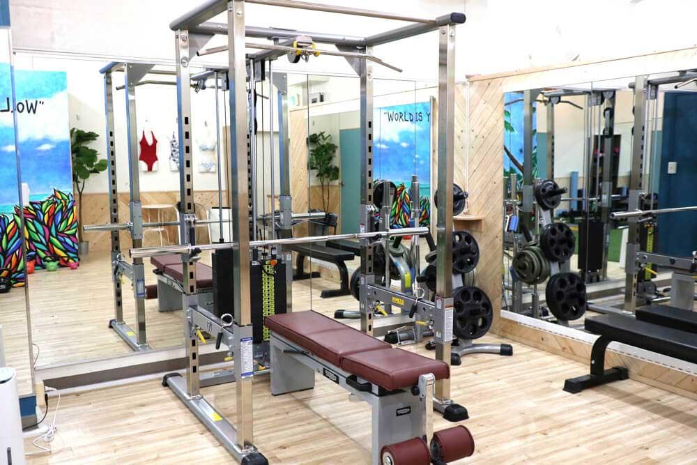 ナイアジム中目黒店のトレーニングマシン